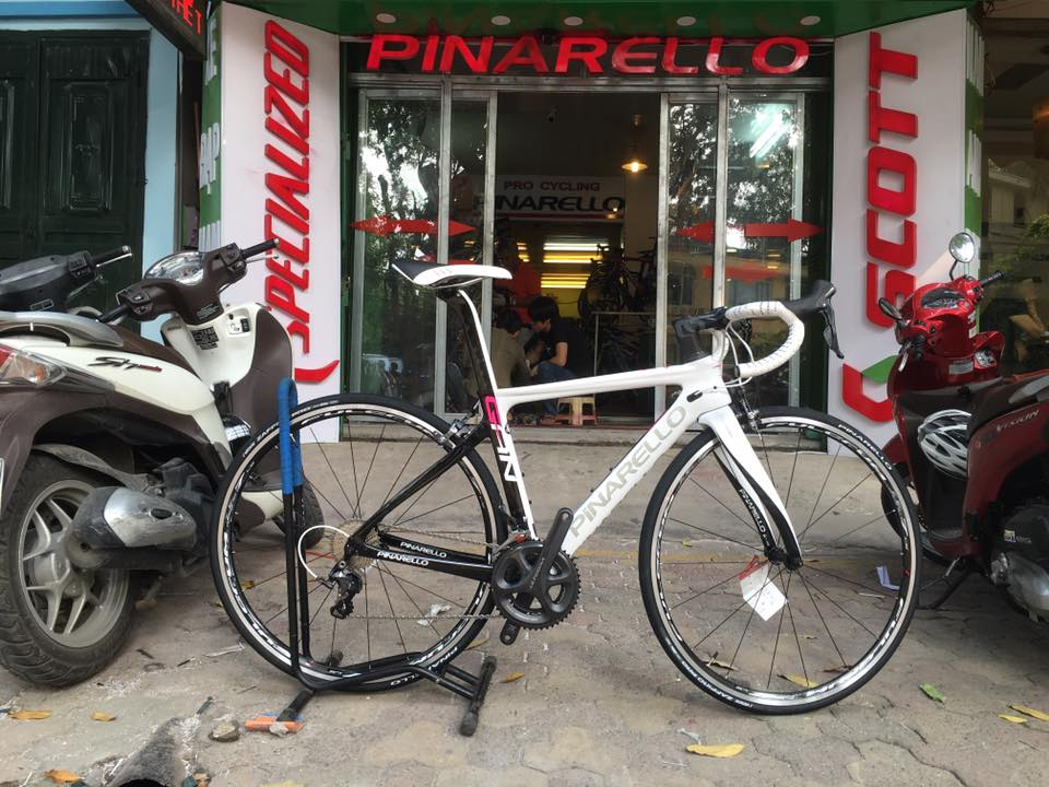 2017 Pinarello Gan S ( colour 82)