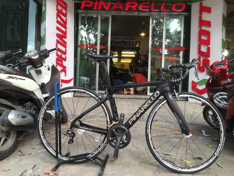 2017 Pinarello Gan RS ( colour 40)